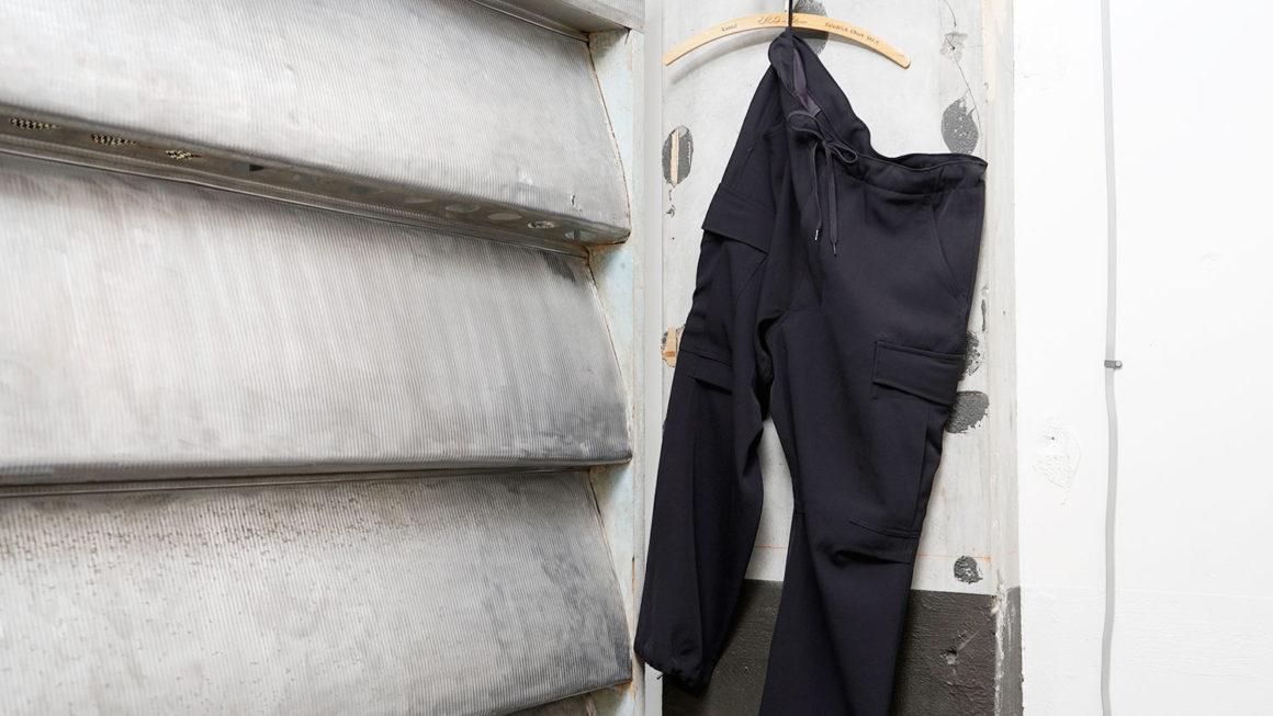 COMOLI – ウールギャバ 6P パンツ –